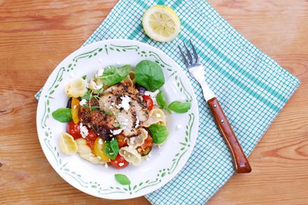 SM,-MM,-Pasta-med-kalkon,-chili,--aubergine-&-fetaost,-F-HJ,-S-KB-Uppifrån-W
